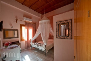 Katerina Traditional Rooms_accommodation_in_Room_Crete_Chania_Chania City