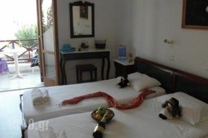 Fomithea_lowest prices_in_Hotel_Cyclades Islands_Sandorini_kamari