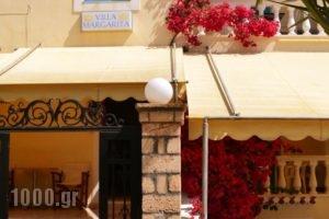 Villa Margarita_travel_packages_in_Piraeus Islands - Trizonia_Spetses_Spetses Chora