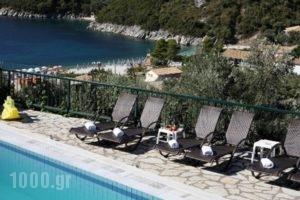 Poros Beach_travel_packages_in_Ionian Islands_Kefalonia_Fiskardo