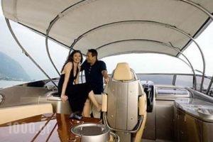 Caldera Yachting-Riva_accommodation_in_Yacht_Cyclades Islands_Sandorini_Sandorini Chora