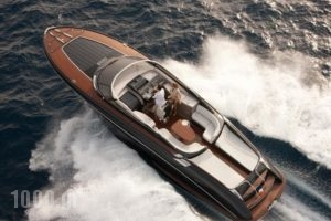 Caldera Yachting-Riva_travel_packages_in_Cyclades Islands_Sandorini_Sandorini Chora