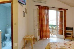 Villa Yiotevi_best deals_Villa_Piraeus Islands - Trizonia_Poros_Poros Chora