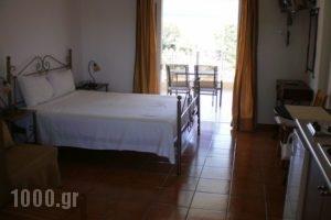 Kasimis Rooms_travel_packages_in_Peloponesse_Messinia_Kyparisia